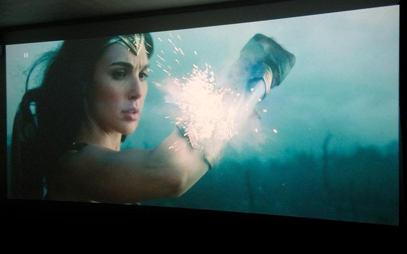 ワンダーウーマン,Wonder Woman,ホームシアター,プロジェクター,アナモフィックレンズ